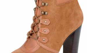 Feminino com estilo masculino: na onda das hiker boots!